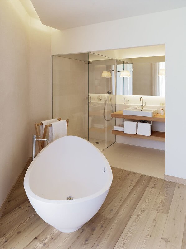 Complete Bathroom Renovations Sydney - Quality and Professional Bathroom Renovations for all Budgets. Servicing all Sydney Suburbs of NSW Australia