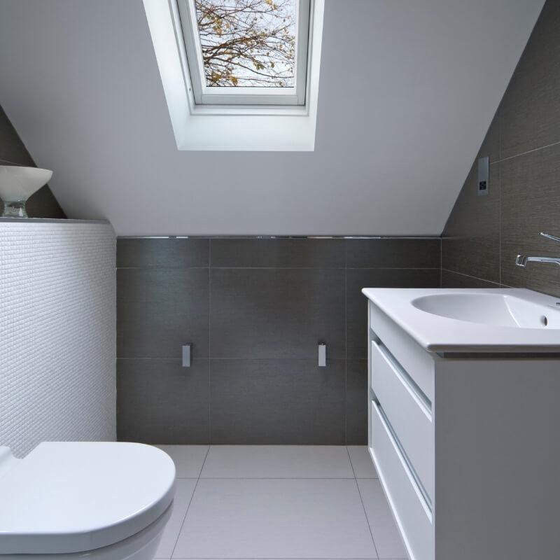bathroom with skylight bathroom lighting
