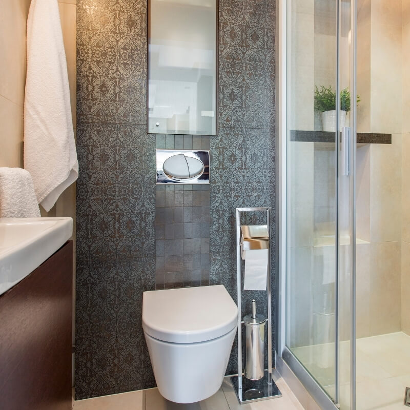 feature wall in small bathroom